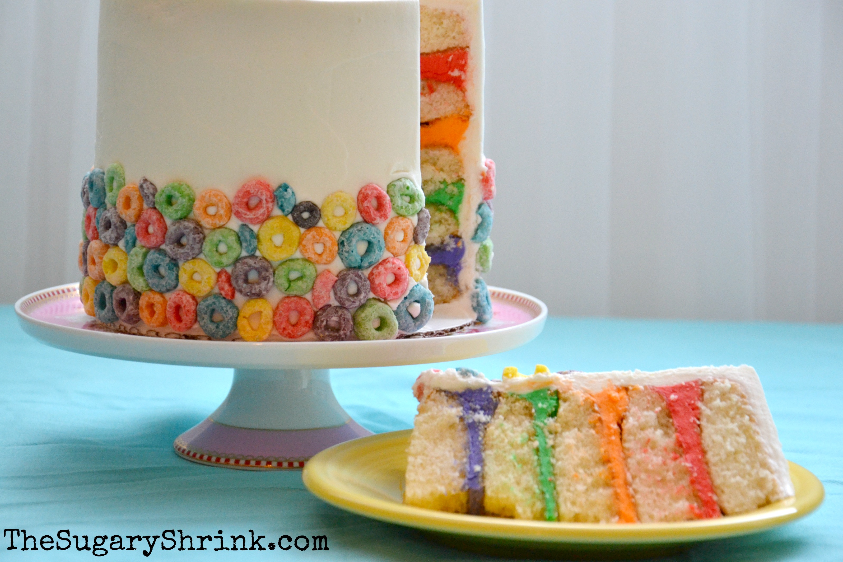 Cake With Fruit Loops : Fruit Loop Cupcakes and Cake, Too! The Sugary Shrink