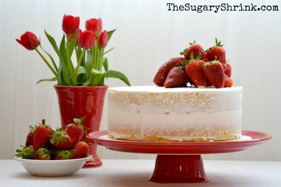 white cake strawberry 992 tss